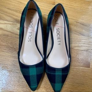 Plaid green and navy kitten heel shoes. Size:5.5